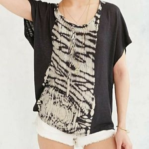 URBAN OUTFITTERS Mouchette Morocco Tee